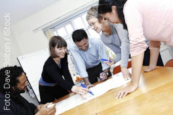 In so genannten Open Spaces arbeiten motivierte Teilnehmer an kreativen Lösungsansätzen.