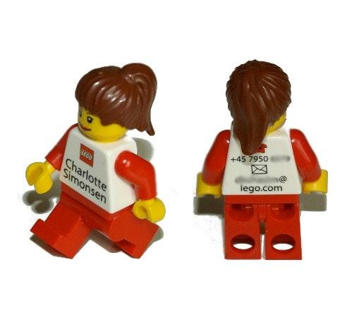 Ein bedrucktes Legopersönchen eignet sich natürlich besonders für Mitarbeiter des Herstellers, dürfte aber auch sonst für Aufsehen sorgen.