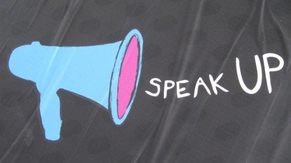 Social-Media-Strategie: Was soll kommuniziert werden? (Bild: Flickr, HowardLake / (CC BY-SA 2.0))