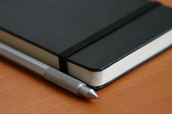 Ein Notizbuch ist für den GTD-Guru das perfekte Life-Management-Tool. (Foto: alt1040  / flickr.com, Lizenz: CC-BY-SA )