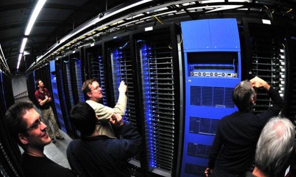 Neue Facebook-AGB: Noch mehr Informationen für die hungrigen Datenspeicher. (Foto: Adam Radosavljevic – Fotolia.com)