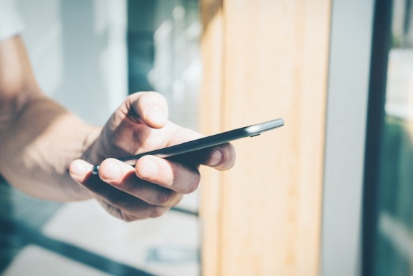 Die lange Texteingabe auf Smartphones ist nicht gerade komfortabel. (Foto: Shutterstock)