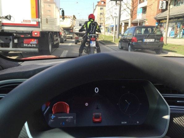 Autopilot mit Fahrzeug Erkennung