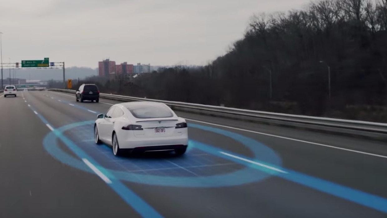 Autonomes Fahren: Die Assistenz-Systeme von Tesla und BMW im t3n-Test