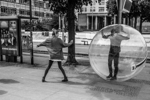 Filterblasen – im übertragenen Sinne – sind inzwischen Alltag. (Foto: Mario Sixtus)