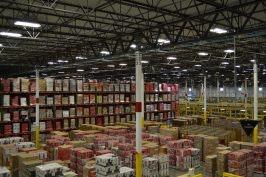 Hochregallager im Amazon Logistikzentrum in DuPont, USA. (Foto: Jochen G. Fuchs)