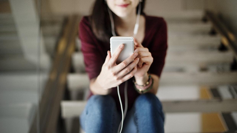 Spotify wird interaktiver: Podcast bekommen testweise Umfrage-Funktion