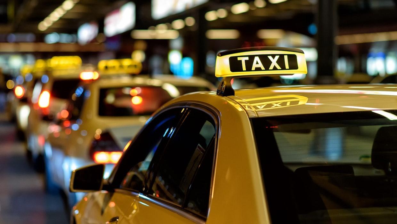 Gegen Uber und Freenow: Taxibranche will Auflagen für Konkurrenz und fordert Vorbestellfrist