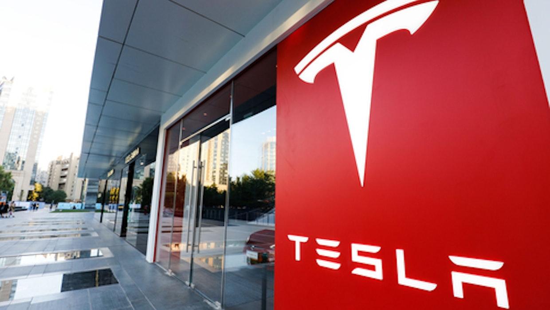 Mehr wert als BMW, Daimler und VW zusammen: Tesla-Aktie knackt 1.000 Dollar