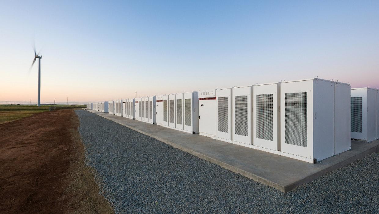 Australien: Teslas neue Riesenbatterie brennt