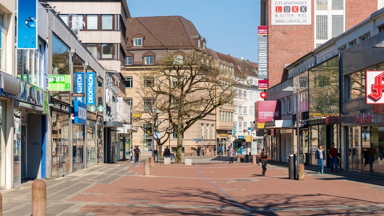 Die Einkaufsstadt stirbt? Egal, beleben wir lieber die Innenstadt neu