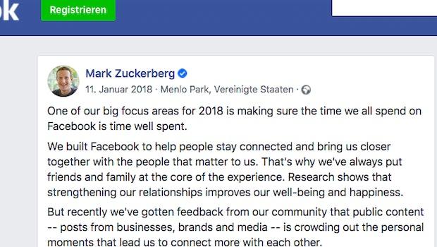 In diesem Post kündigt Mark Zuckerberg im Januar 2018 an, dass Facebook mehr auf Interaktion optimieren will. Seitdem unterstützt der Algorithmus Posts mit besonders vielen Emoji-Reaktionen, Kommentaren, Likes und Shares. Seit dem Algorithmus-Update gehen auf Facebook aber vor allem die Posts viral, die Nutzer wütend machen oder verängstigen. (Screenshot: t3n)