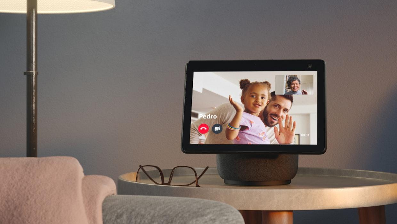 Echo Show 10: Amazons bewegliches Smartdisplay kann jetzt vorbestellt werden