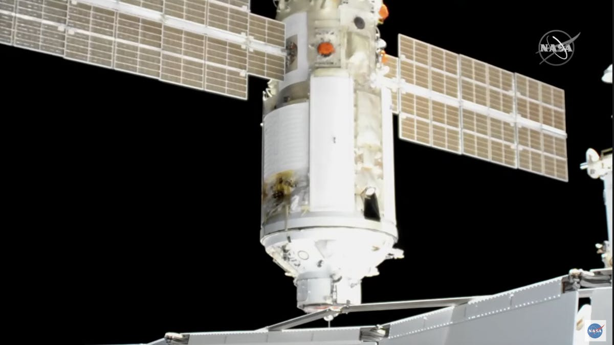 Drama on the ISS: Russian module docks – and suddenly turns on