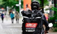 Gorillas soll Fahrer:innen von Sozialversicherung ab- und nicht wieder angemeldet haben