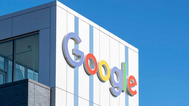 Google-Gebäude mit Logo darauf