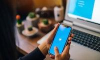 Twitter knallt Ads mitten in Diskussionen – aber Creators könnten mitverdienen