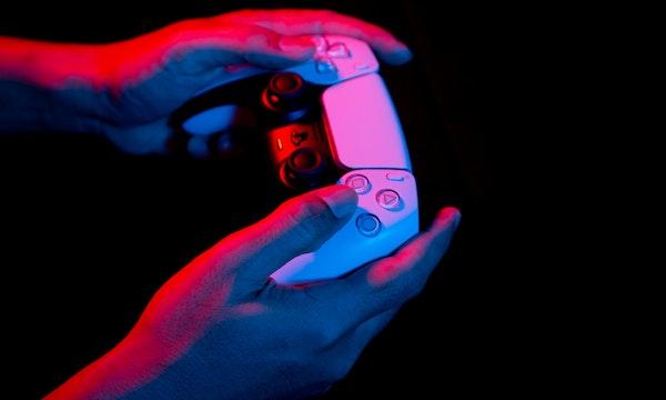 PS5 gesucht: Wie es kam, dass Microsoft einem Mitarbeiter die Konsole kaufte