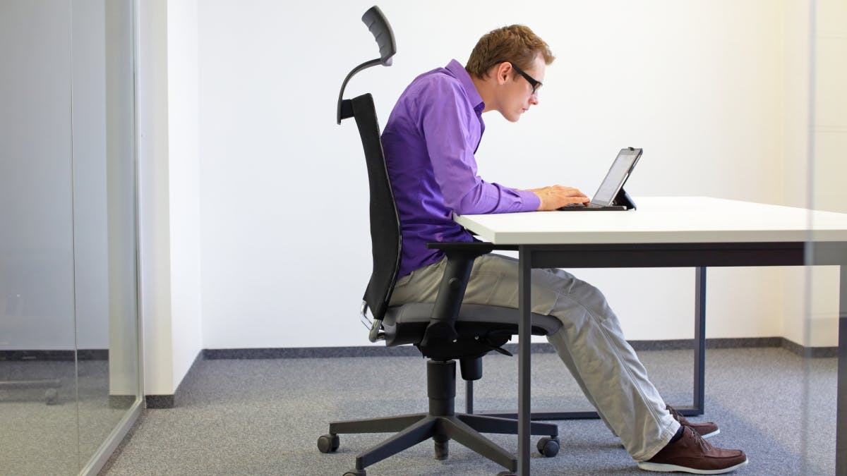 Robot corrects sitting posture and avoids back problems